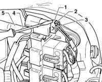 13.25 Подсоединение перемычки проводки подушки безопасности