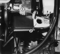 2.18 Проверка уровня жидкости в системе сервоуправления