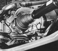 2.22 Проверка уровня масла в главной передаче автоматической коробки передач