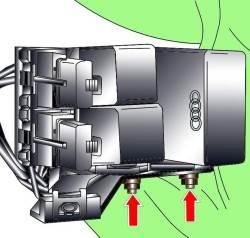 24.7 Блок реле в нише для ног водителя