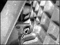 2.18 Проверка уровня масла в механической КПП