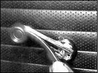 12.10 Внутренняя панель двери