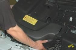 4.3 Снятие и установка декоративного кожуха двигателя Chevrolet Niva