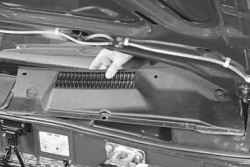 10.9 Замена моторедуктора стеклоочистителя ветрового окна