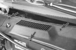 11.7 Снятие и установка решетки короба воздухопритока Daewoo Lanos