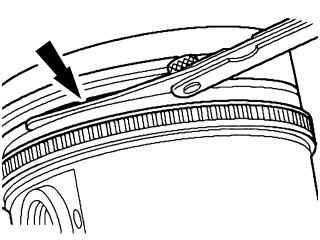 12.4 Снятие и установка левого поперечного рычага подвески