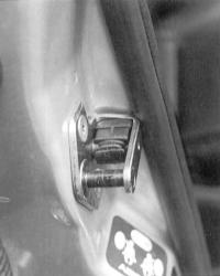 15.10 Проверка дверного контактного выключателя Ford Mondeo