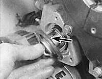 4.4 Снятие и установка термостата Ford Scorpio