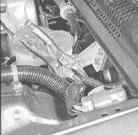 8.2 Снятие и установка главного цилиндра сцепления