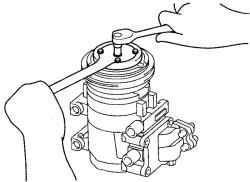 8.4.5 Снятие и установка ступицы муфты и шкива компрессора