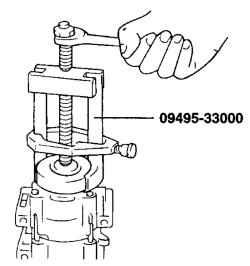 8.4.6 Снятие и установка обмотки электромагнитной муфты компрессора