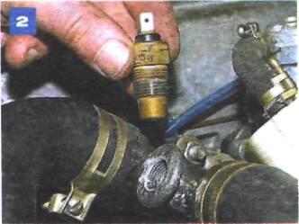 Замена датчика температуры охлаждающей жидкости для комбинации приборов на автомобиле с двигателем УМПО-331