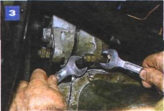 Регулировка натяжения и замена ремня привода насоса охлаждающей жидкости на автомобиле с двигателем УМПО-331