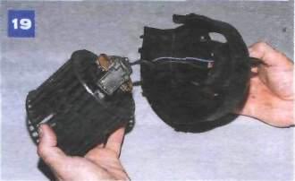 21.3 Снятие воздухонагнетателя и вентилятора отопителя Иж Ода