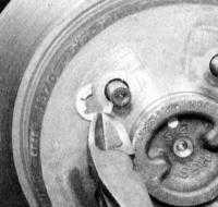 14.5 Проверка состояния, снятие и установка тормозного диска Jeep Grand Cherokee