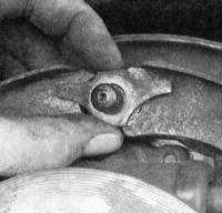 14.6 Замена башмаков барабанных тормозных механизмов Jeep Grand Cherokee