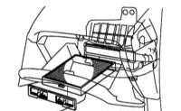 3.8 Проверка и замена салонного фильтра отопителя и К/В