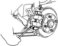 13.5  Снятие и установка колодок заднего дискового тормоза