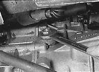 3.4.14 Проверка уровня масла в механической коробке передач