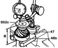 10.4.3 Определение толщины регулировочной прокладки и установка ее в корпус   редуктора Mercedes-Benz W140