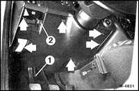 13.24 Покрытие под приборной панелью Mercedes-Benz W201