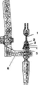 10.7 Тросик дроссельной заслонки (модели с трехступенчатой коробкой передач) - проверка и регулировка