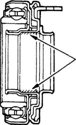 11.5 Выжимной подшипник, вилка выключения сцепления и ось вилки - снятие и установка Mitsubishi Colt
