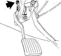 11.6 Тросик привода выключения сцепления - снятие, установка и регулировка Mitsubishi Colt