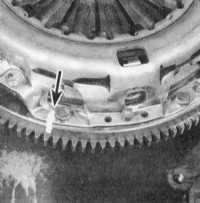 10.3 Снятие, проверка состояния и установка компонентов сборки сцепления