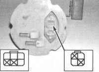 6.6 Проверка состояния и замена датчика расхода топлива