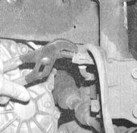 12.2 Снятие, проверка состояния  и установка стоечных сборок передней подвески