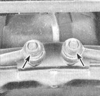 12.12 Снятие и установка рычагов задней подвески (модели 1993 и 1994 г.г. вып.)