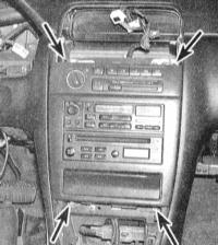 14.12 Снятие и установка радиоприемника и громкоговорителей