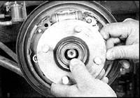 12.7 Подшипники задних колес Nissan Sunny