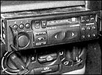 13.35 Радиоприемник/ стереопроигрыватель Opel Astra A
