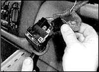 13.7 Выключатели на рулевой колонке Opel Astra A