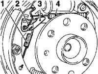 11.7 Замена башмаков барабанных тормозных механизмов задних колес