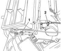 5.4.5 Снятие и установка главного корпуса отопителя Opel Astra