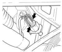 11.22 Снятие, установка и регулировка датчика-выключателя стоп-сигналов