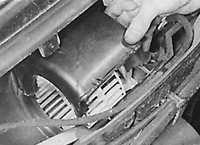 6.19 Двигатель вентилятора отопителя