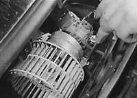 6.19 Двигатель вентилятора отопителя Opel Vectra A