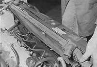 6.7 Радиатор (модели с механической коробкой передач) Opel Vectra A