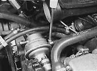7.6 Снятие и установка топливного насоса