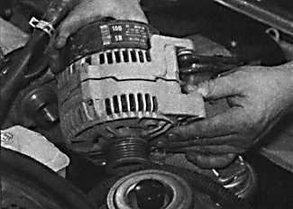 Как снять генератор с опель вектра с