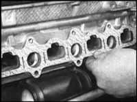 7.20 Снятие и установка на место впускного трубопровода Saab 9000