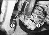 12.24  Снятие и установка рулевого насоса