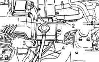 5.6 Снятие и установка наполнительного бачка (модели с турбонаддувом)