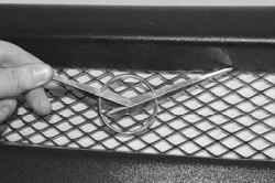 11.6 Снятие и установка накладки облицовки радиатора УАЗ 31519