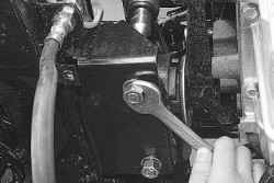 5.6.2 Замена передних опор подвески силового агрегата