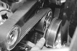 5.7 Замена ремня привода генератора и водяного насоса